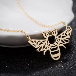 Jewelry - Gold bee necklace outline ADORABLE! Chain New
